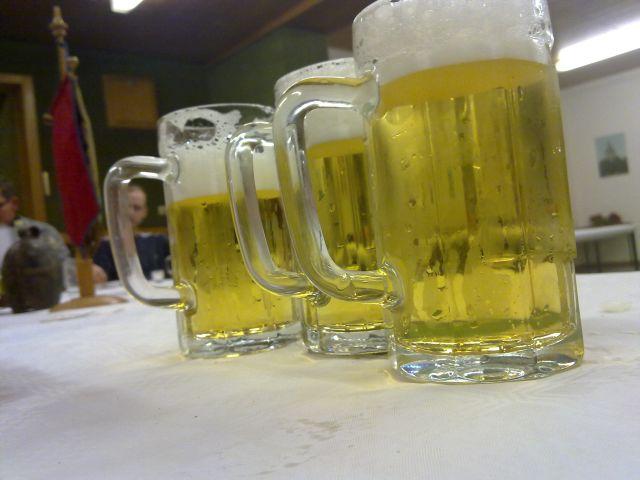 Biergläser mit Henkel