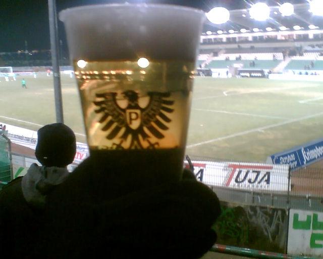 Bier im Becher bei Preussen Münster