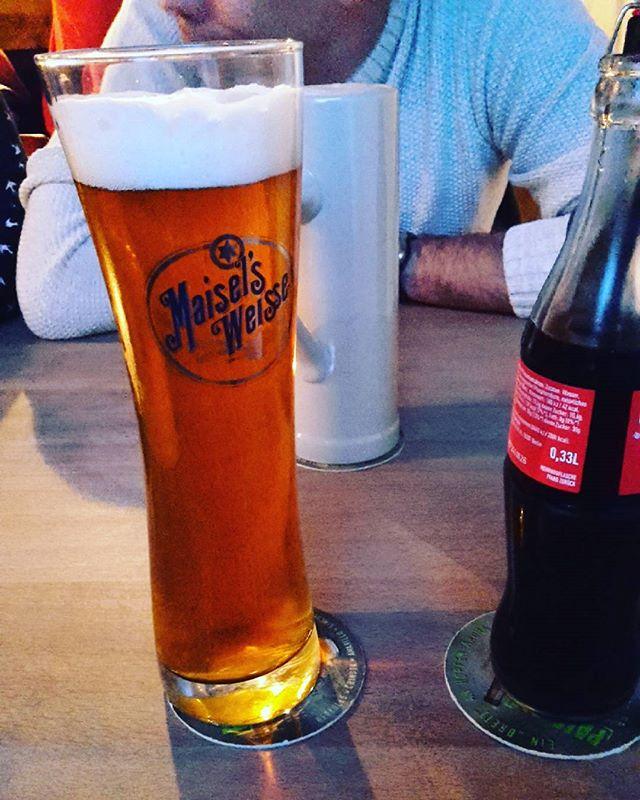 #Bierglas #Bier #Weizen #Maisels im DesignGlas von #Sahm. Und im Hintergrund ein Zwickel im Krug. Von #DGD -  #hildesheim #Bootschaft