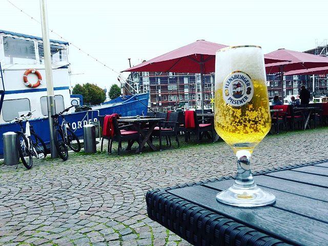 #Bierglas #Bier #flensburger #dasflenst // und perlt. Bierglas ist von #ritzenhoff // #husum