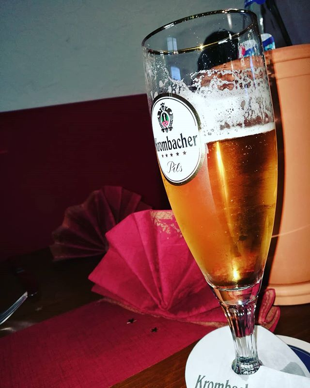 #weihnachtsessen #krombacher #bier #bierglas