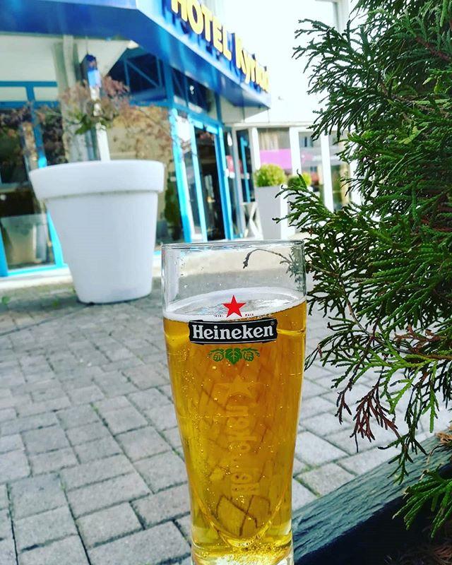 Ein #heineken #bierglas vom Ingo aus den #Vogesen - danke dafür. // Sehr schlichter Becher wie ich finde. Dafür ist das Logo von Heineken schön