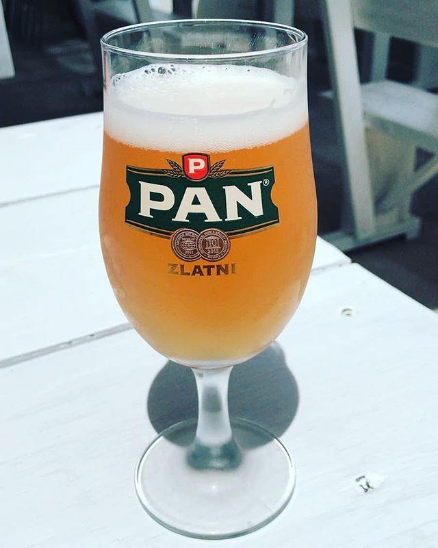 Anscheinend immernoch im Urlaub: @kevingereke1 auf Krk. #bier #bierglas #krk #pivo