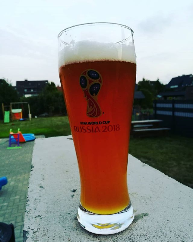 #bierglas #fifa #worldcup2018 #russia // mitgebracht von meinem lieben Bruder und seiner @katyahrulka #russland #fussball #bier #weizen @paulaner